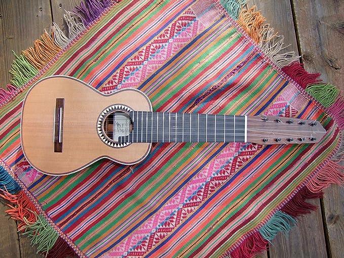 Concierto Charango Peruano Estilo nogal canadiense rojo de abeto de cedro: Amazon.es: Instrumentos musicales