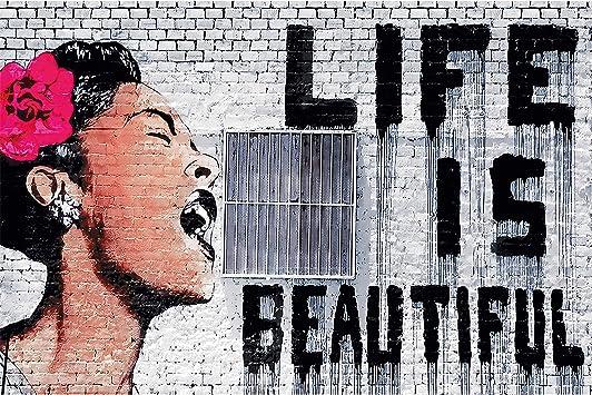 Great Art Xxl Poster Banksy Graffiti D Artista Decorazione Da Parete Life Is Beautiful Pop Art Street Style Street Art Stencil Artisti Di Strada Fotomurale Fotoposter 140 X 100 Cm Amazon It