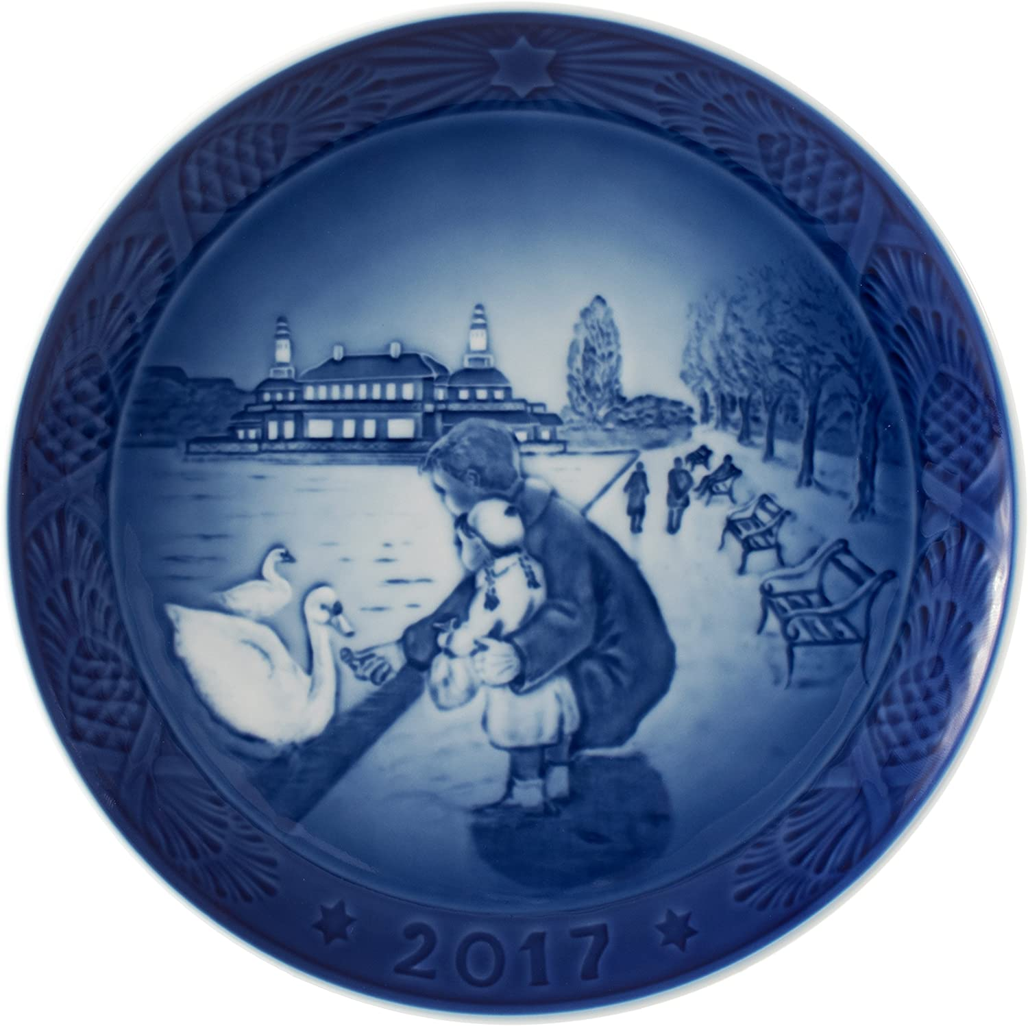Royal Copenhagen 1021105 Christmas Plate 2017, By the Lake