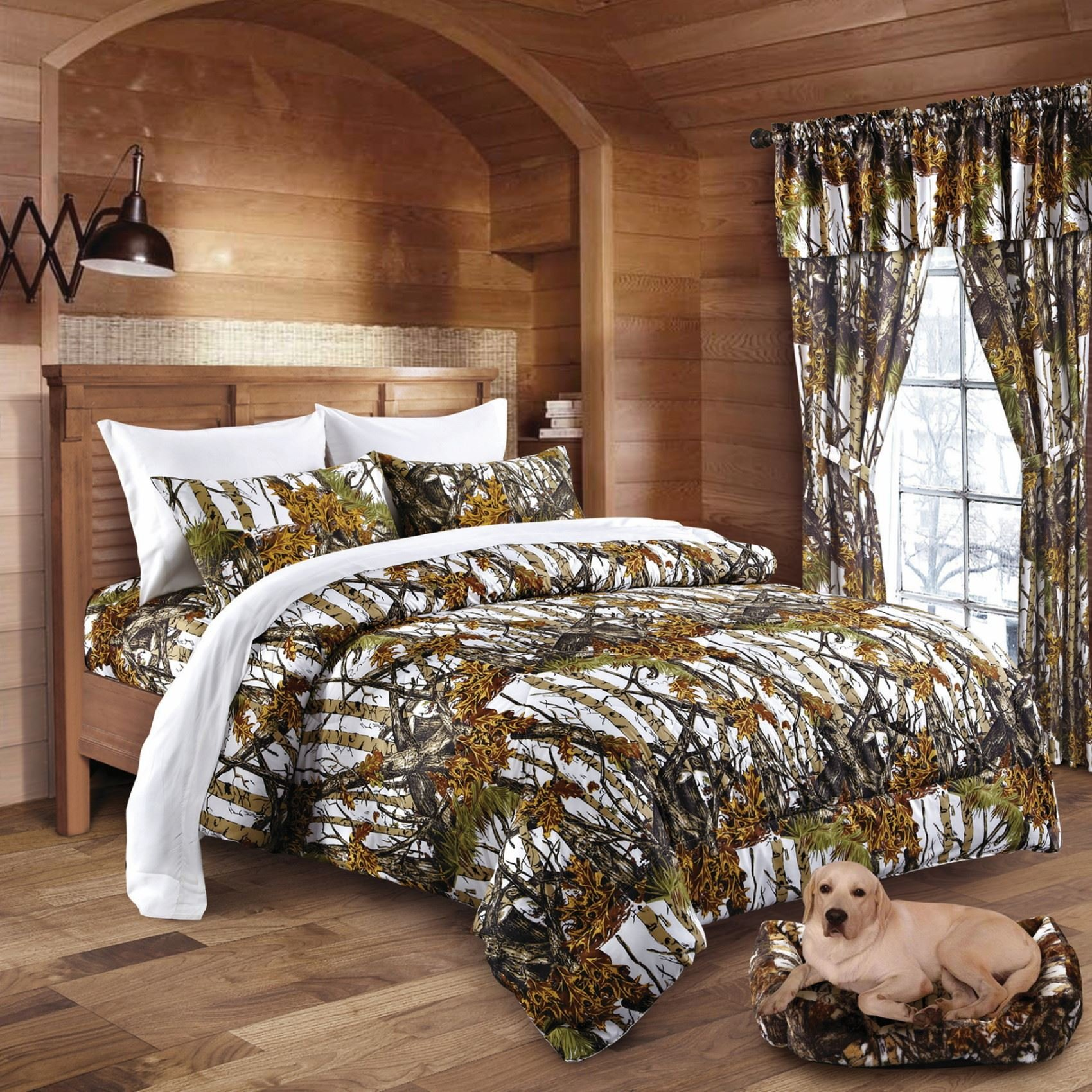 20 Lakes The Woods White Camo Comforter - King