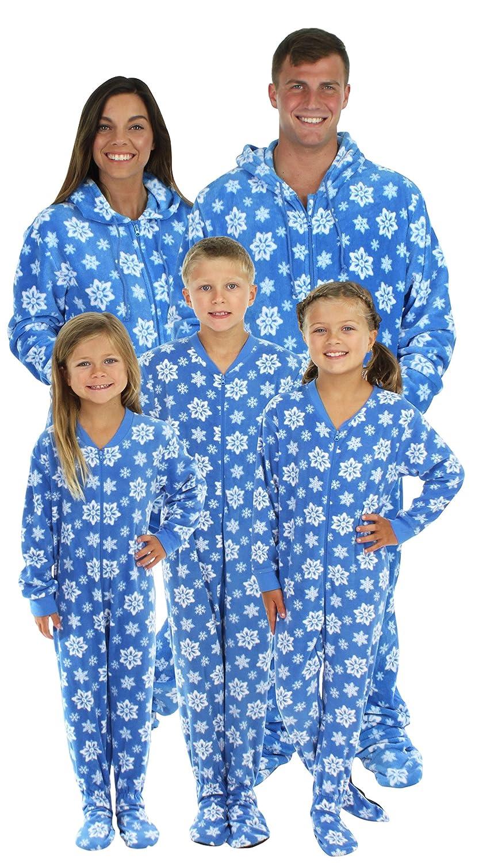 35ba805d2 Amazon.com  SleepytimePjs Family Matching Blue Snowflake Onesie PJs ...