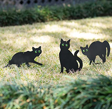Homarden OneLeaf Garden Scare Cats U2013 Humane Pest Control Statues With  Reflective Eyes (Set Of