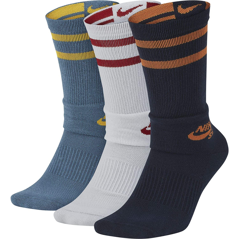 official photos 342fc 5ac3b Amazon.com  Nike SB Dry Crew SX5760 Skateboarding Socks (3 Pair)  Shoes