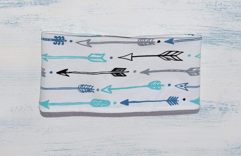 Braga de cuello con flechas azules grises y negras ajustable desde 1 añ o hasta los 8