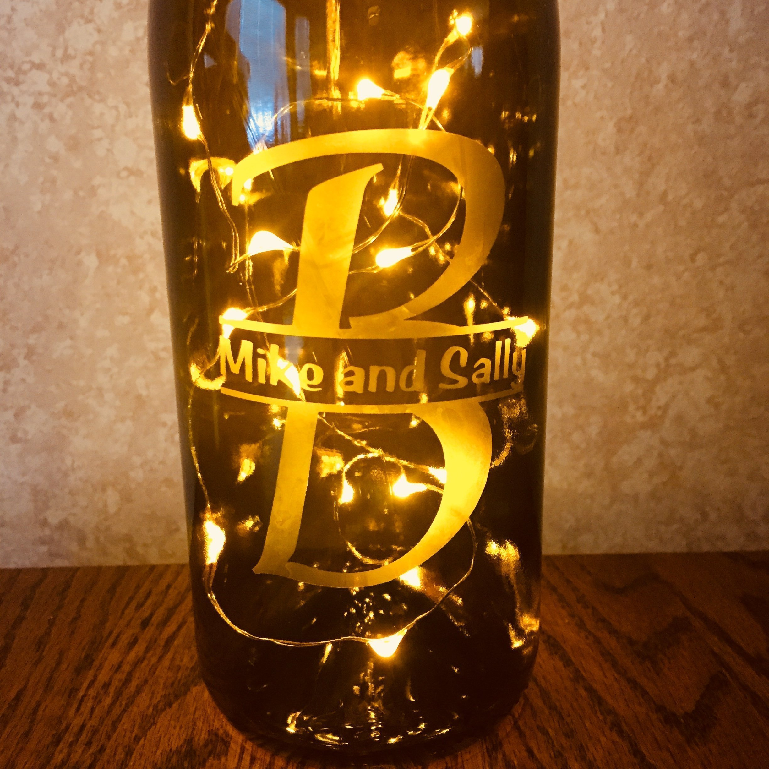 Custom Etched Split Monogram Wine Bottle With Twinkle Fairy Lights Powered from Cork, Anniversary Wine Decor With White Lights, Wedding Gift by Wine Wicks and Gifts