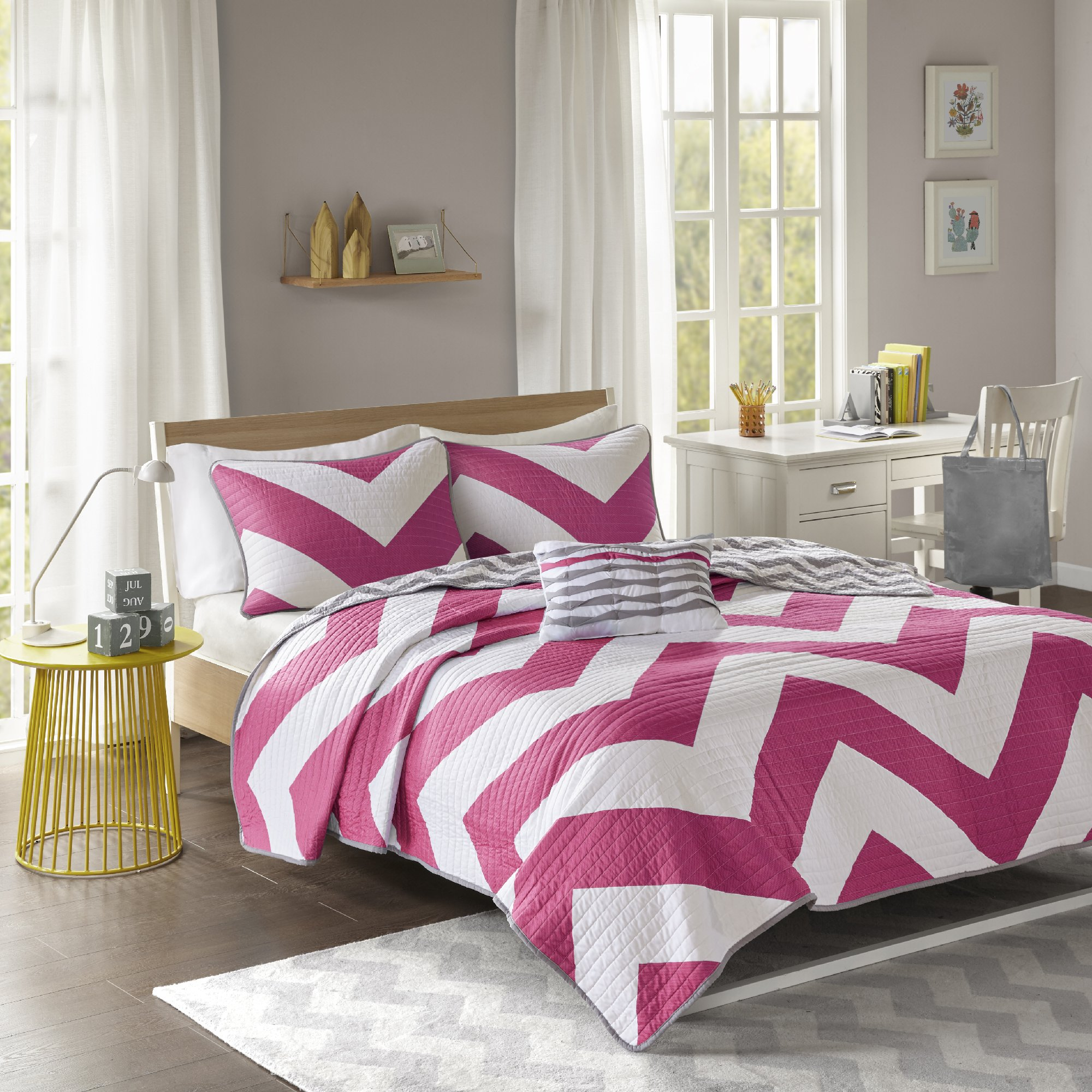 Mi-Zone Libra Full/Queen Quilt Bedding Set - Pink, Chevron – 4 Piece Teen Girl Boy Bedding Quilt Coverlets – Ultra Soft Microfiber Bed Quilts Quilted Coverlet