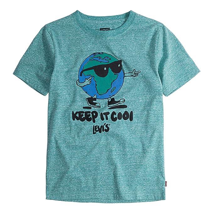 56552457bf59f Amazon.com  Levi s Boys  Graphic T-Shirt  Clothing