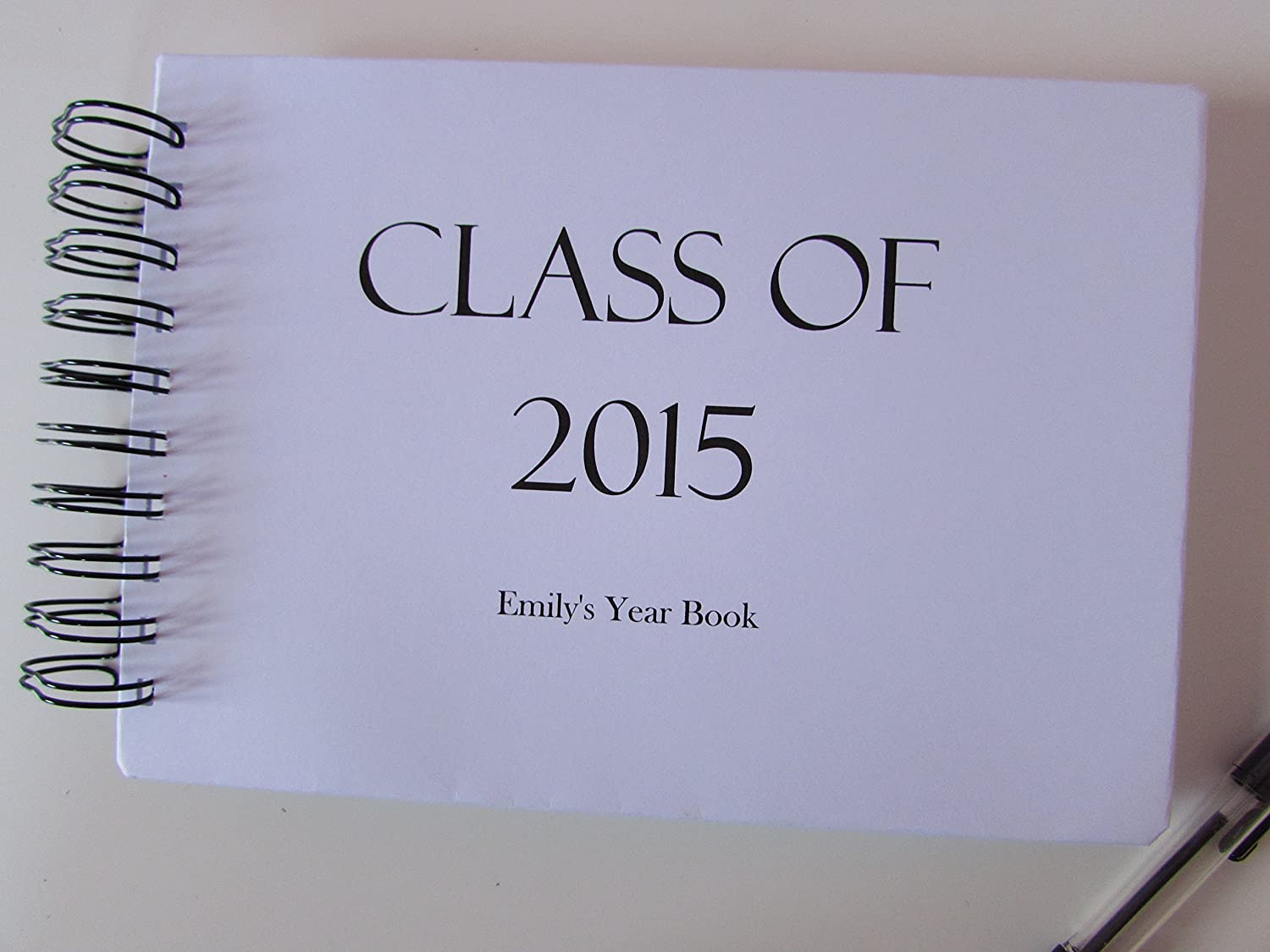 PERSONALISED YEAR BOOK//CLASS OF//SCHOOL LEAVERS SCRAPBOOK /& FREE Delivery in the UK