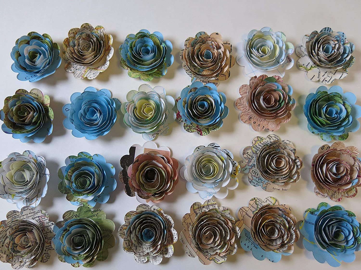 Scalloped Set 24 Pieces World Atlas Paper Flowers Loose 1 5 Roses Map Book Page Floral Decor Traveler Theme Bridal Shower Decoration Wedding