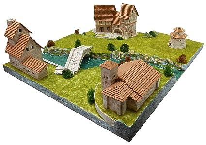 Amazon.com: Aedes Rural Diorama, 37 x 26 x 7 cm: Toys & Games