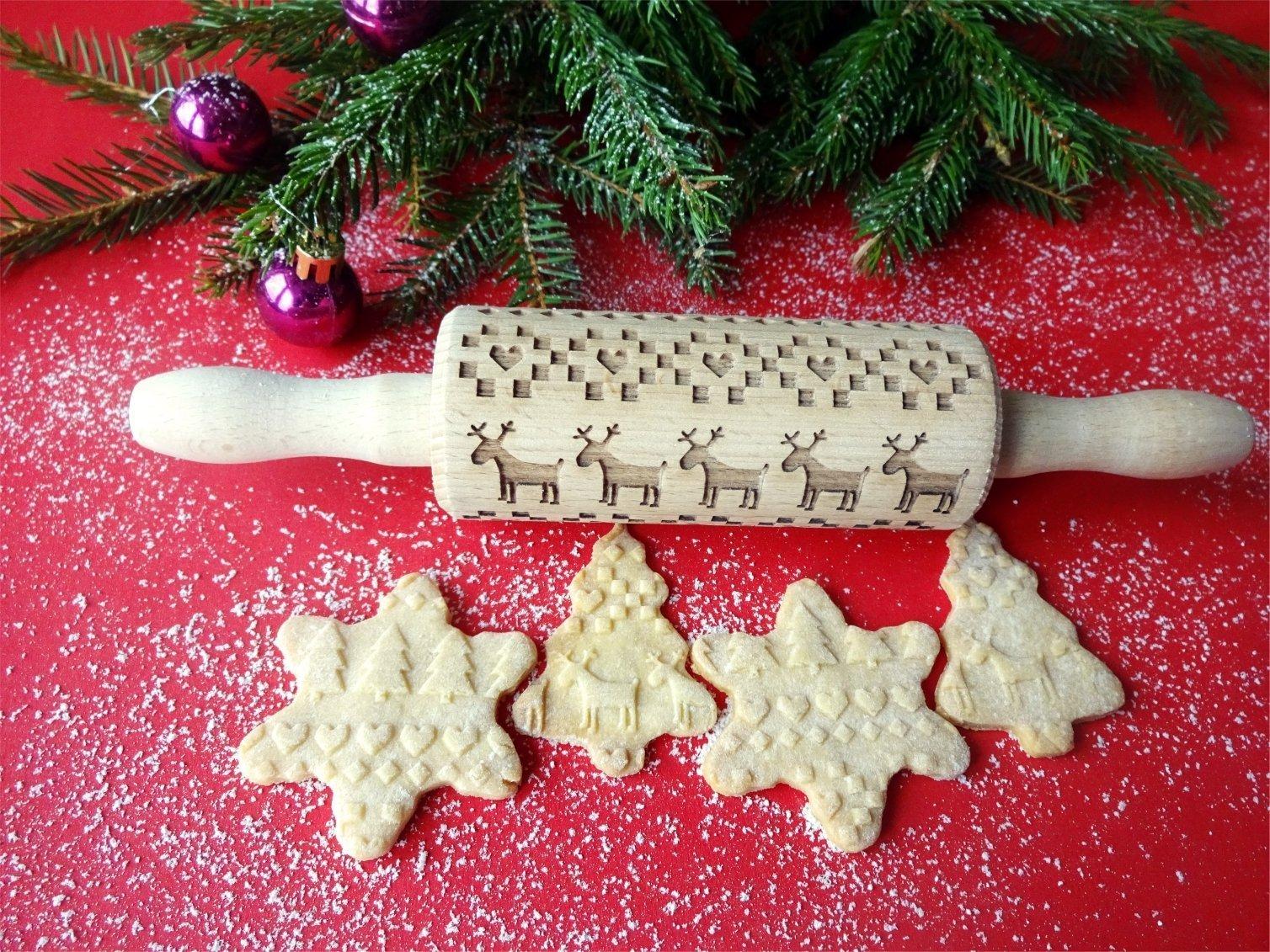 Scandinavian CHRISTMAS Embossing rolling pin for kids with Christmas elk deer pattern