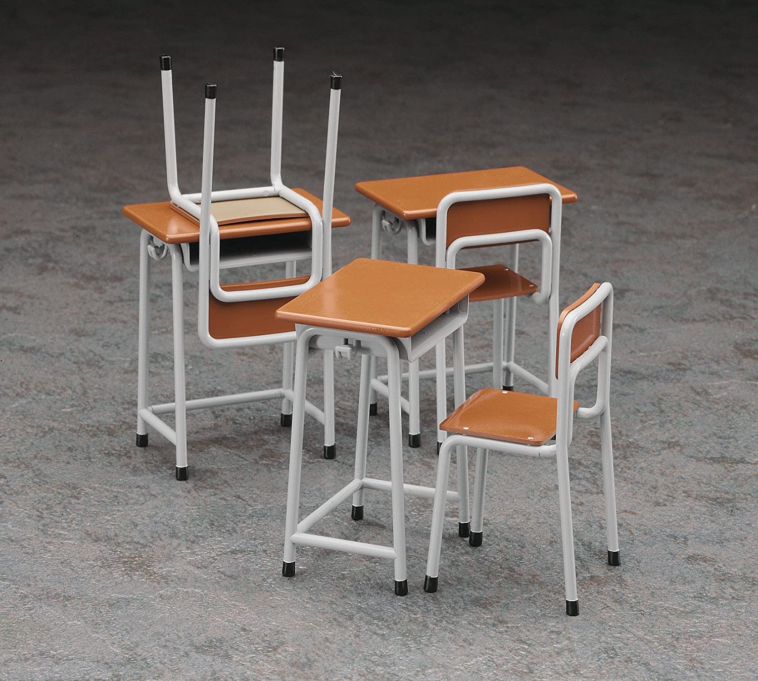 Amazon HASEGAWA 1 12 School Desk & Chair For Toy