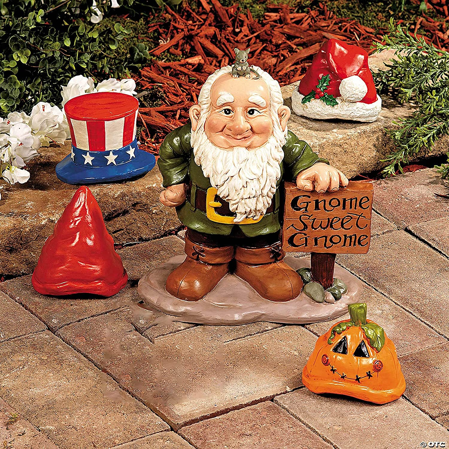 Garden Gnome Statue, Gnome Greeter with 4PC Interchangeable Hats for Christmas, Halloween, Easter, Independence Day Garden Statues Decoration Resin Gnome Figurine for Patio Yard Lawn Porch Crafts