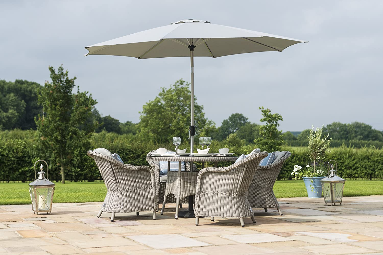Maze Rattan Oxford 4 Seat Dining Set with a 120cm Table, Rounded ...