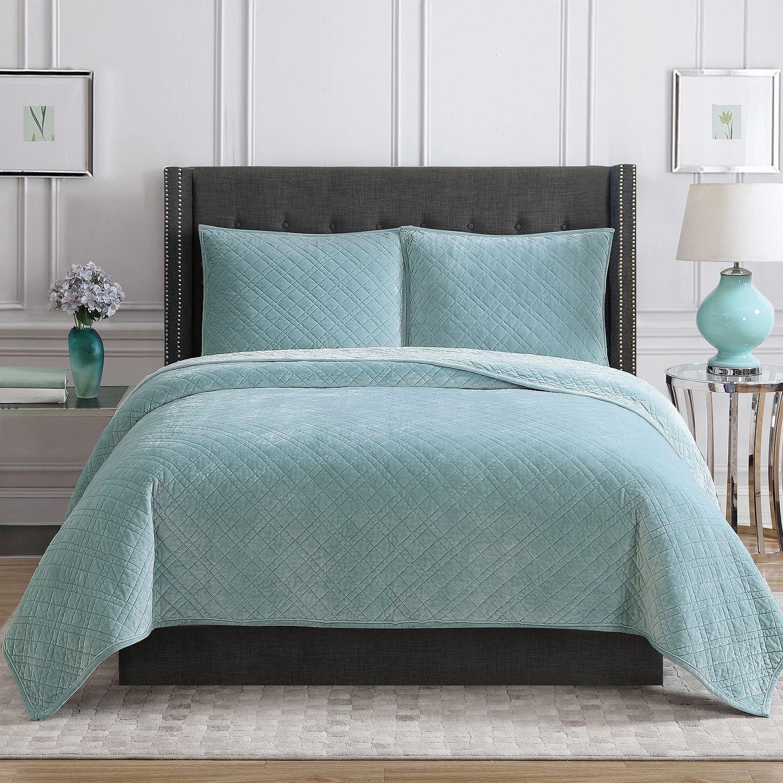 Christian Siriano New York Luxury 3 Piece Velvet Quilt Bedding Set (king, Green) by Christian Brand