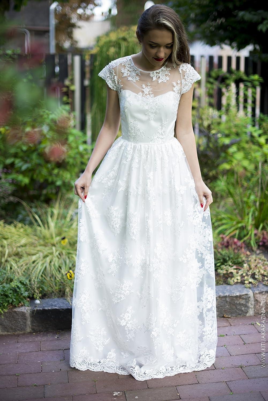 1a8d0102b34c Amazon.com  Snow White Lace Vintage Wedding Dress  Handmade