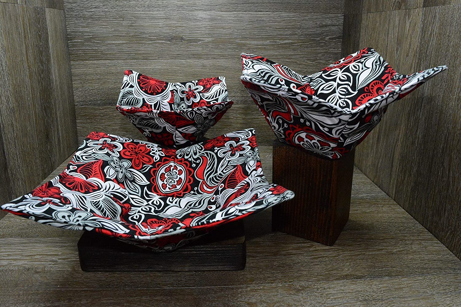 Microwave Bowl Cozies // Set of 3 // 1 Small Bowl Cozy // 1 Medium Bowl Cozy // 1 Dinner Plate Cozy // Rockin Red Floral