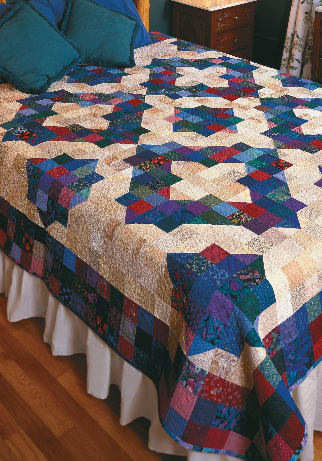 Easy Quilts for Beginners and Beyond: 14 Quilt Patterns from Quiltmaker Magazine by That Patchwork Place (Image #19)