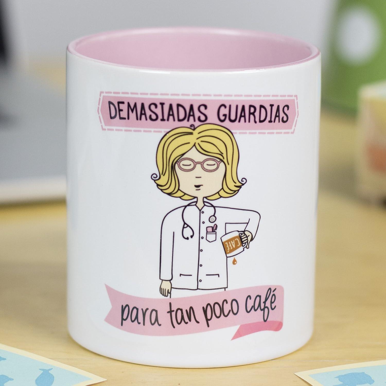 La Mente es Maravillosa - Taza frase y dibujo divertido (Demasiadas guardias para tan poco café) Regalo MÉDICA