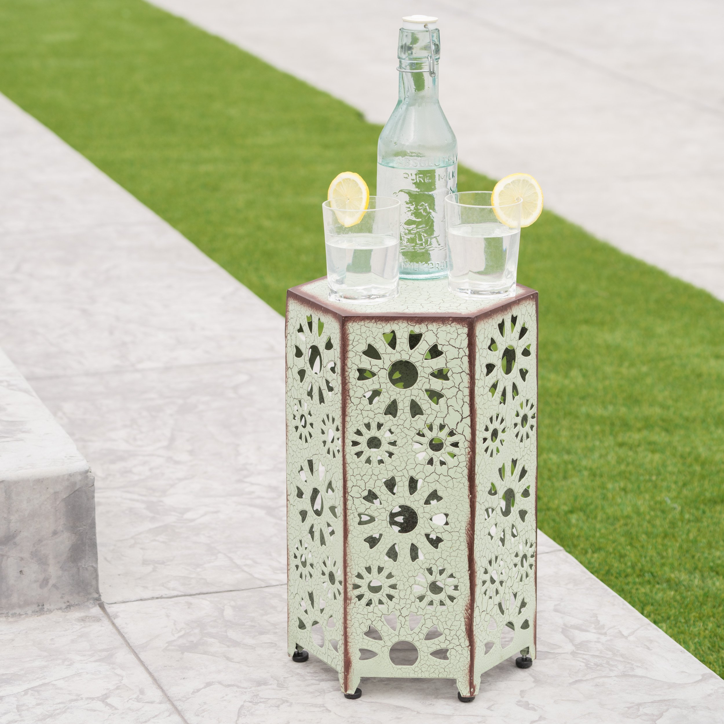 Elliot Outdoor 12 Inch Crackle Teal Sunburst Iron Side Table (Crackle Green)