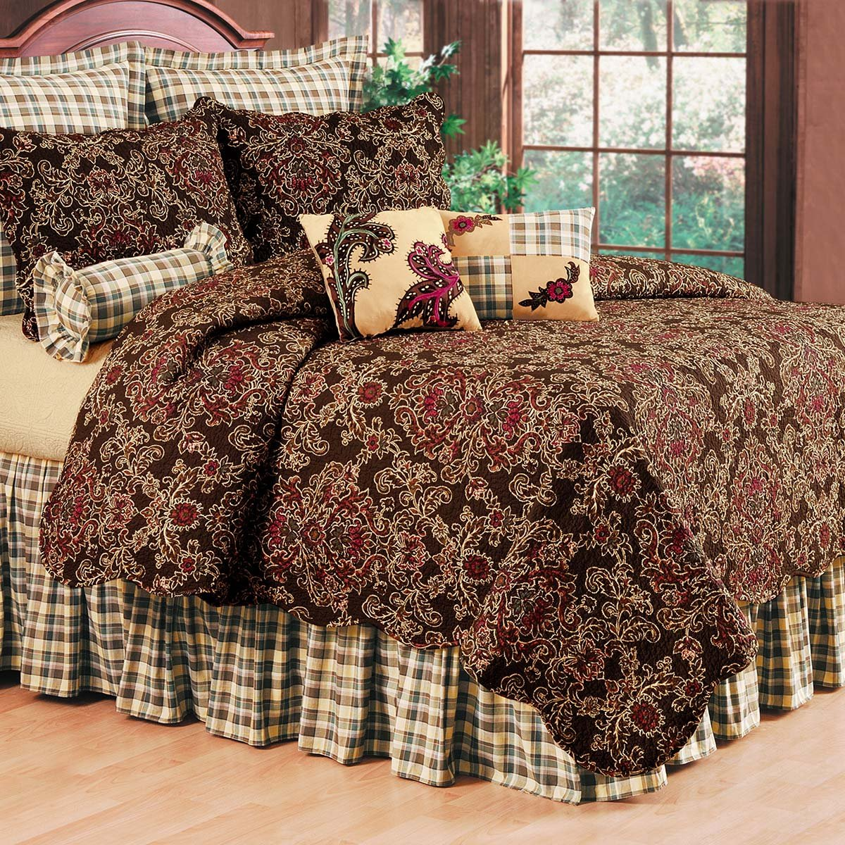 "108"" x 92"" King Quilt, Rustic Damask"