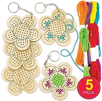 Baker Ross- Kits de llaveros de Madera para Punto de Cruz con Forma de Flor (Pack de 5) -Manualidades para niños: Amazon.es: Juguetes y juegos