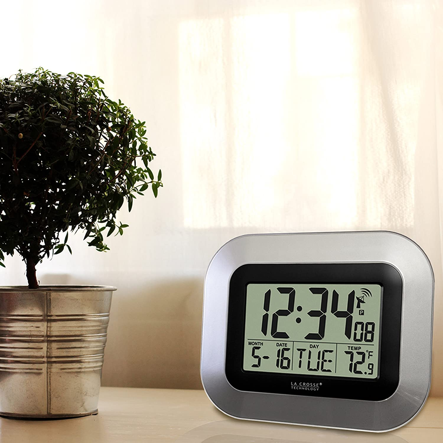 Amazon la crosse technology wt 8005u s atomic digital wall amazon la crosse technology wt 8005u s atomic digital wall clock with indoor temperature silver home kitchen amipublicfo Images