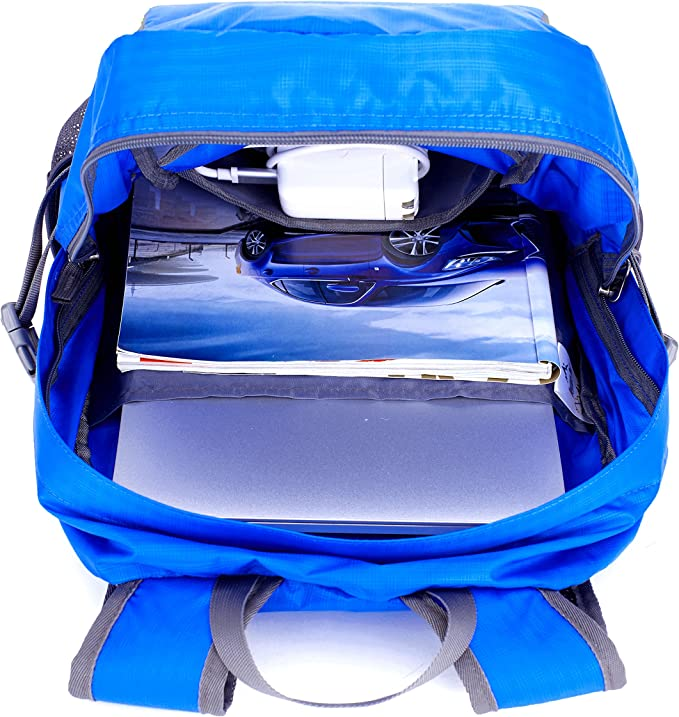 Venture Pal Daypack has a lot of compartments