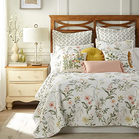Reversible Queen Quilt Off white w Blue flowers to off white in white flowers Bed skirt w 2 Euro Pillow shams 4 pc COMFORTER  set..Toile
