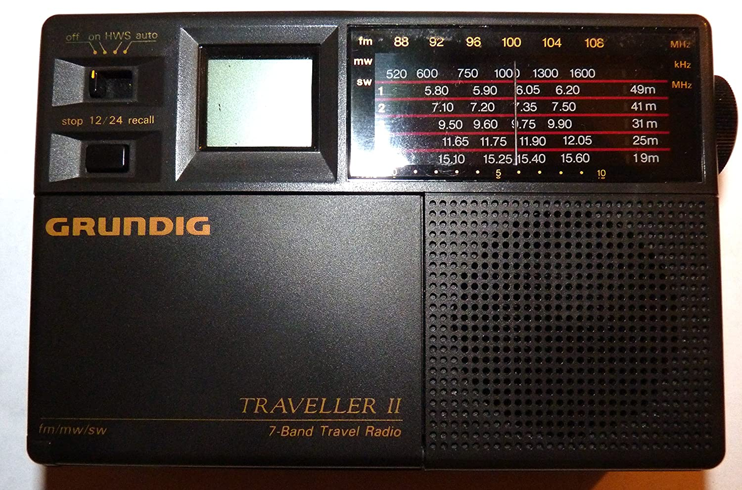 Amazon.com: Grundig Traveller II 7 Band Worldtime Travel Radio: Home Audio  & Theater