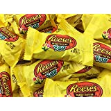 Reese's Peanut Butter Cup Eggs Easter Candy, Snack Size .6 Ounce (Pack of 2 Pounds)