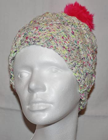 Gestrickte Mütze im Flechtmuster - Farbe clown color, Pommel in pink ...
