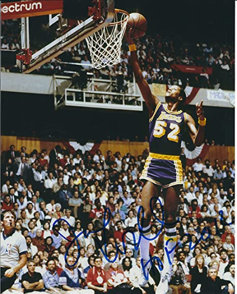 3139a43c94f Autographed Jamaal Wilkes 8X10 Los Angeles Lakers Photo at Amazon s ...