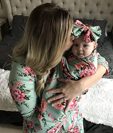 39628e4bc7be0 Amazon.com: Mommy Robe with Matching Baby Swaddle Blanket and Bow (M/L,  Green): Baby