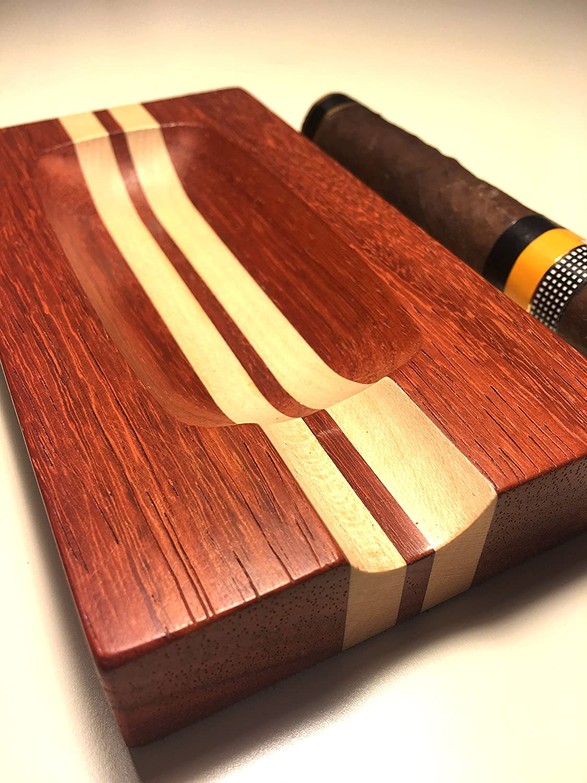 POSACENERE Wooden cigar ashtray. Solid padouk and sycamore.
