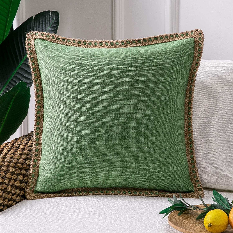 Amazon Com Phantoscope Farmhouse Christmas Decorative Throw Pillow Cover Burlap Linen Pillow Cover Trimmed Tailored Edges Outdoor Pillow Green 18 X 18 Inches 45 X 45 Cm Home Kitchen