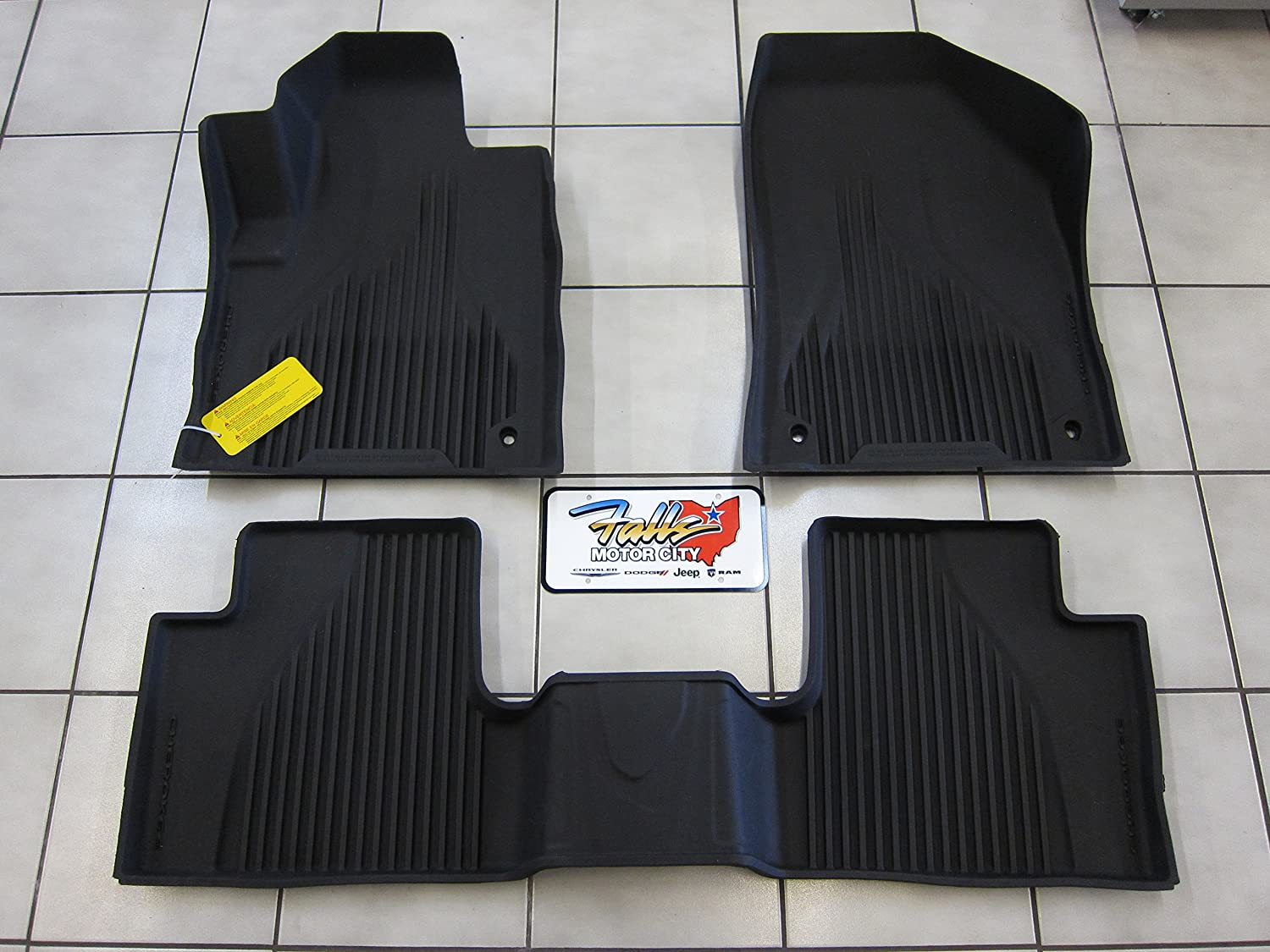 Amazon.com: Jeep Cherokee (Not for Grand Cherokee) Black All Weather Rubber  Floor Liner Slush Mat Set Mopar OEM: Automotive