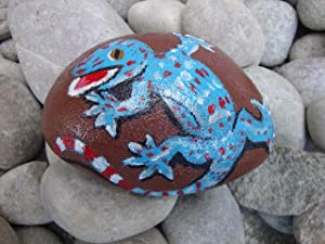 VickyHopeArt Lizard Pebble Art - Hand Painted Stone, Keepsake, Garden Ornament, Paperweight, Stocking Filler