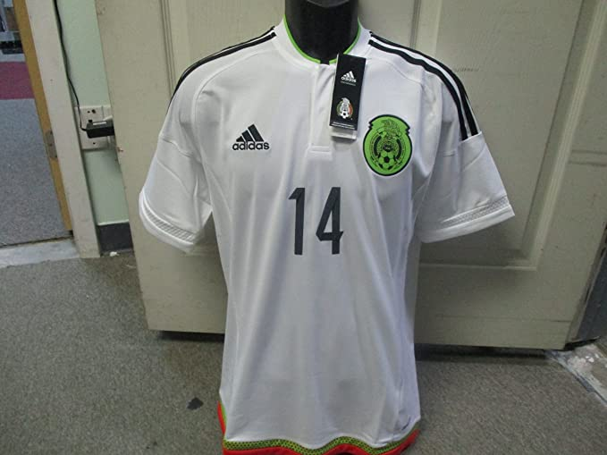 356f387d07b51 Amazon.com   Seleccion Mexicana CHICHARITO White Jersey Pumas America  Chivas   Sports   Outdoors