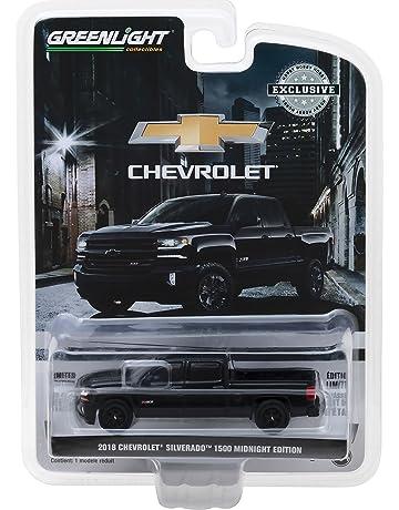 1: 64 2018 Chevrolet Silverado 1500 Z71 Crew Cab Midnight Edition (29941)