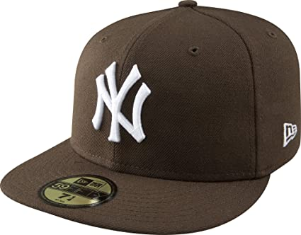 69c06fab3b1 Amazon.com   MLB New York Yankees Brown with White 59FIFTY Fitted ...