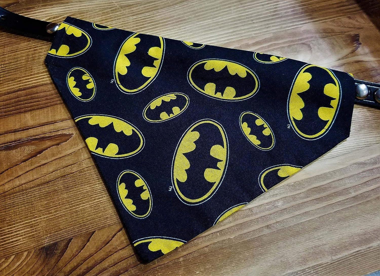 Batman Logo Bat Signal DC Comic Print Over the Collar Dog Bandana No-Tie