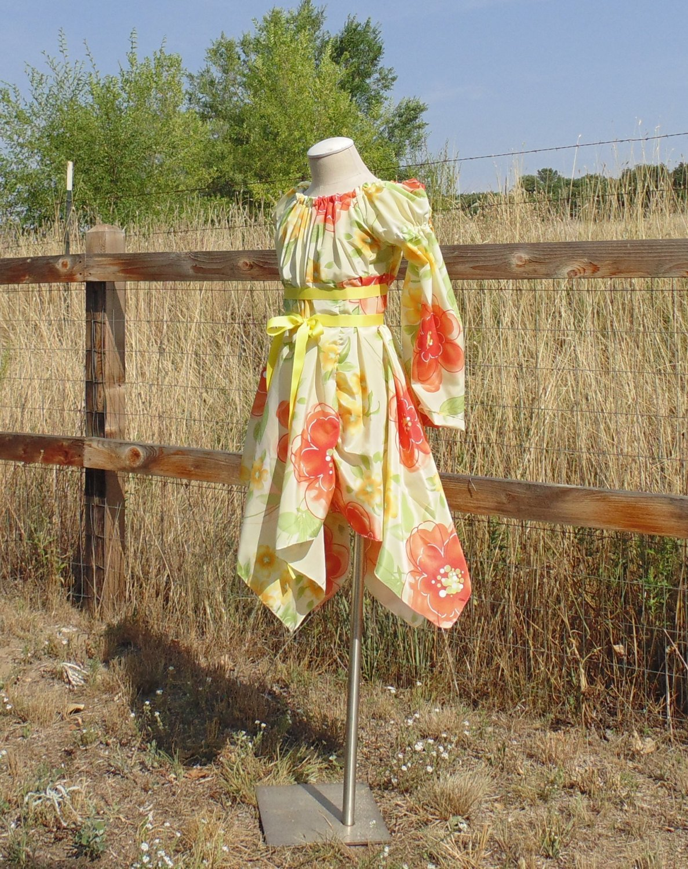 Teen Girls 10-14 Sunny Flower Child Hippie Dress 1960's