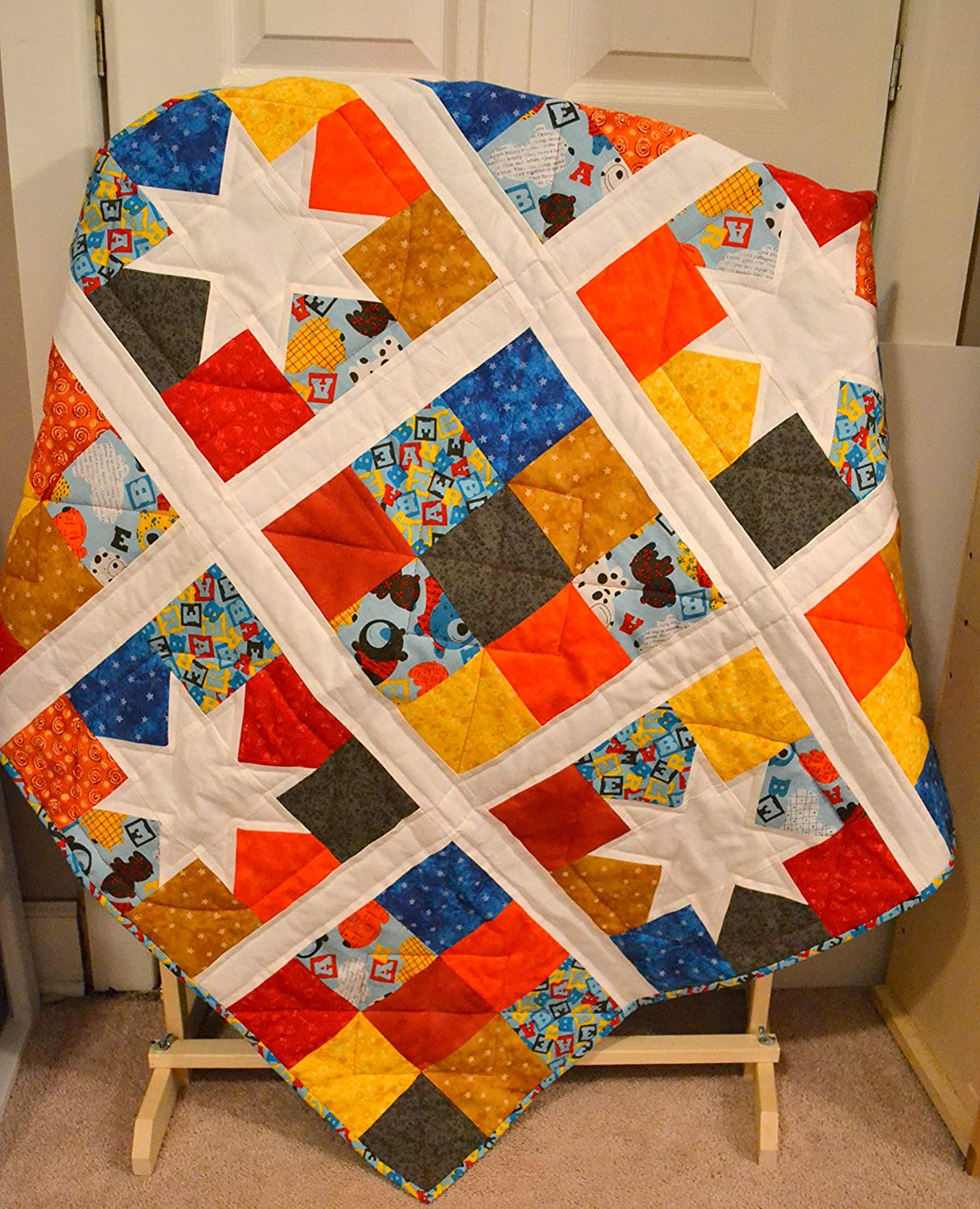 Amazon.com: Primary Color Baby Quilt, Boys Crib Quilt, Modern ... : baby quilts for boys - Adamdwight.com