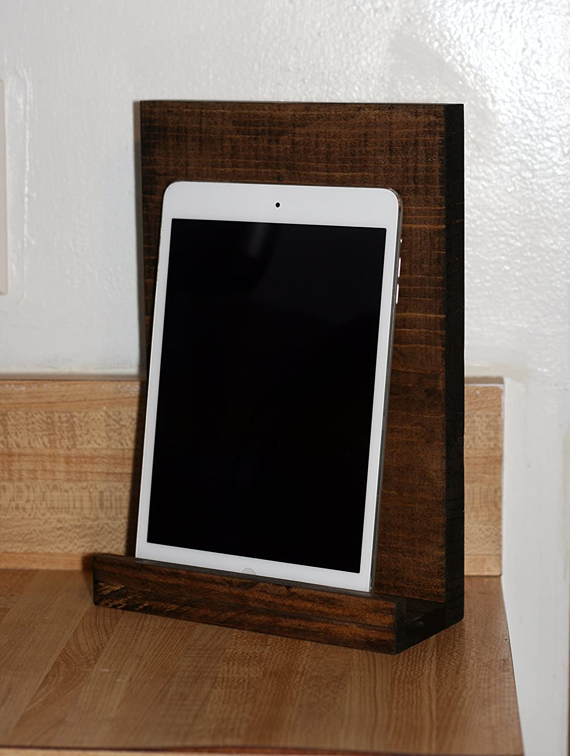 Astonishing Amazon Com Rustic Wood Ipad Stand Wooden Ipad Stand Home Interior And Landscaping Palasignezvosmurscom