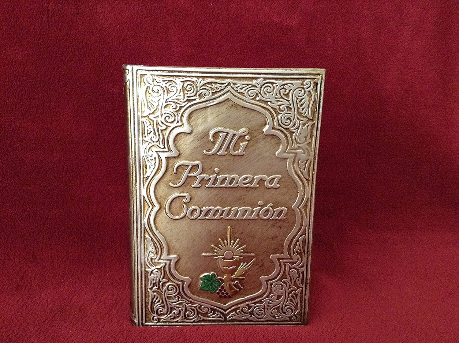 Amazon.com : First Holy Communion/Mi Primera Comunión Gold ...