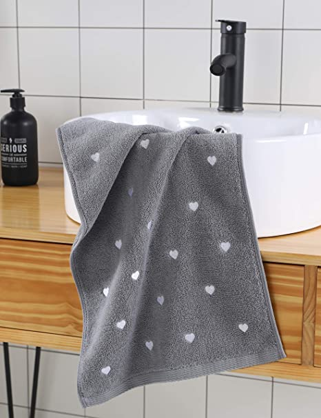 Amazon Com Leisofter Valentine Hand Towels Light Gray 2 Pack 13 X 30 Decorative Towels For Bath Hand Face Gym And Spa Kitchen Dining