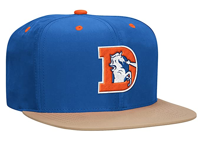 0ce5702b366 Amazon.com   Denver Broncos Mitchell   Ness Butter Nylon Strapback ...