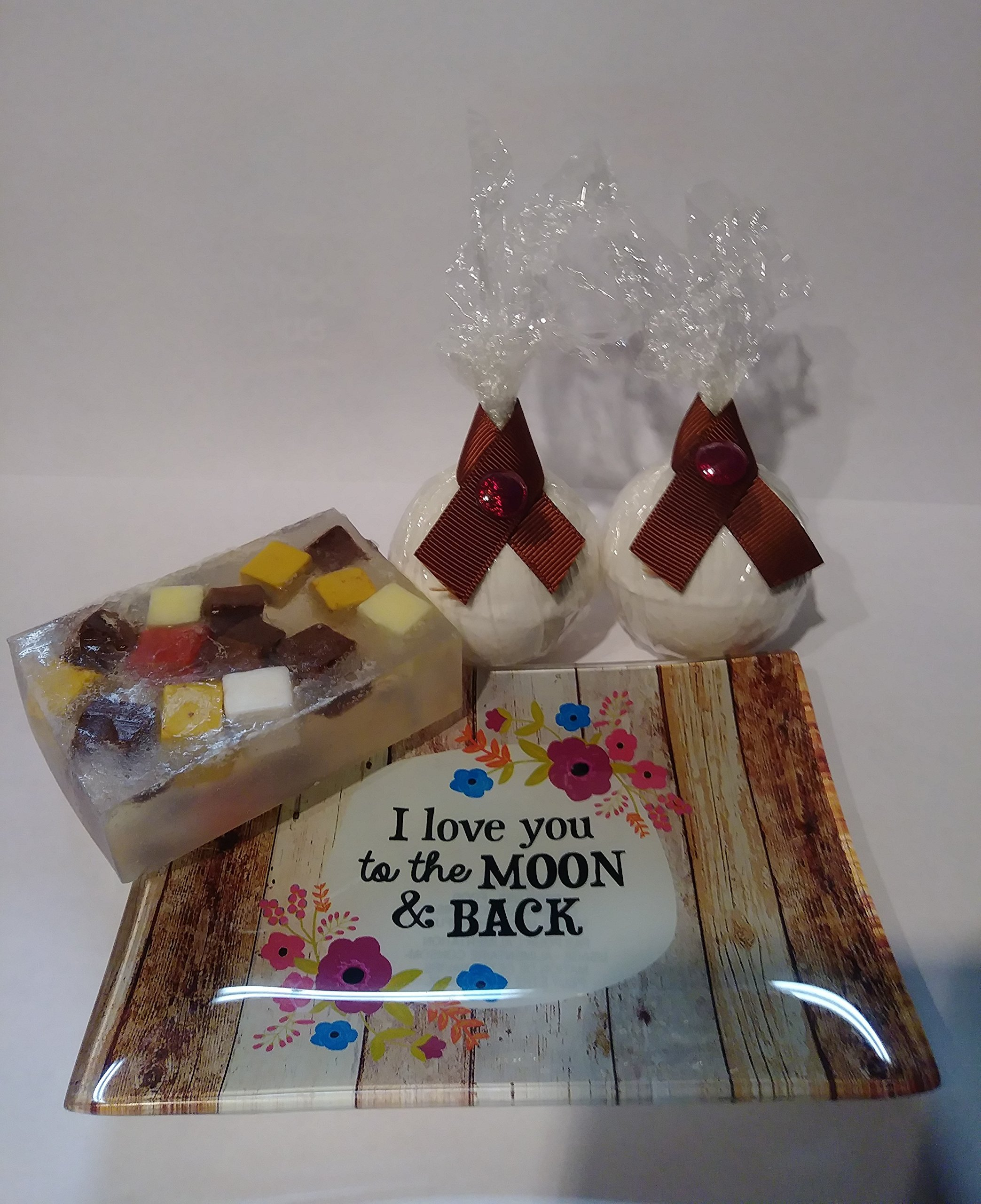 Gift set, coconut bath bombs and coconut soap