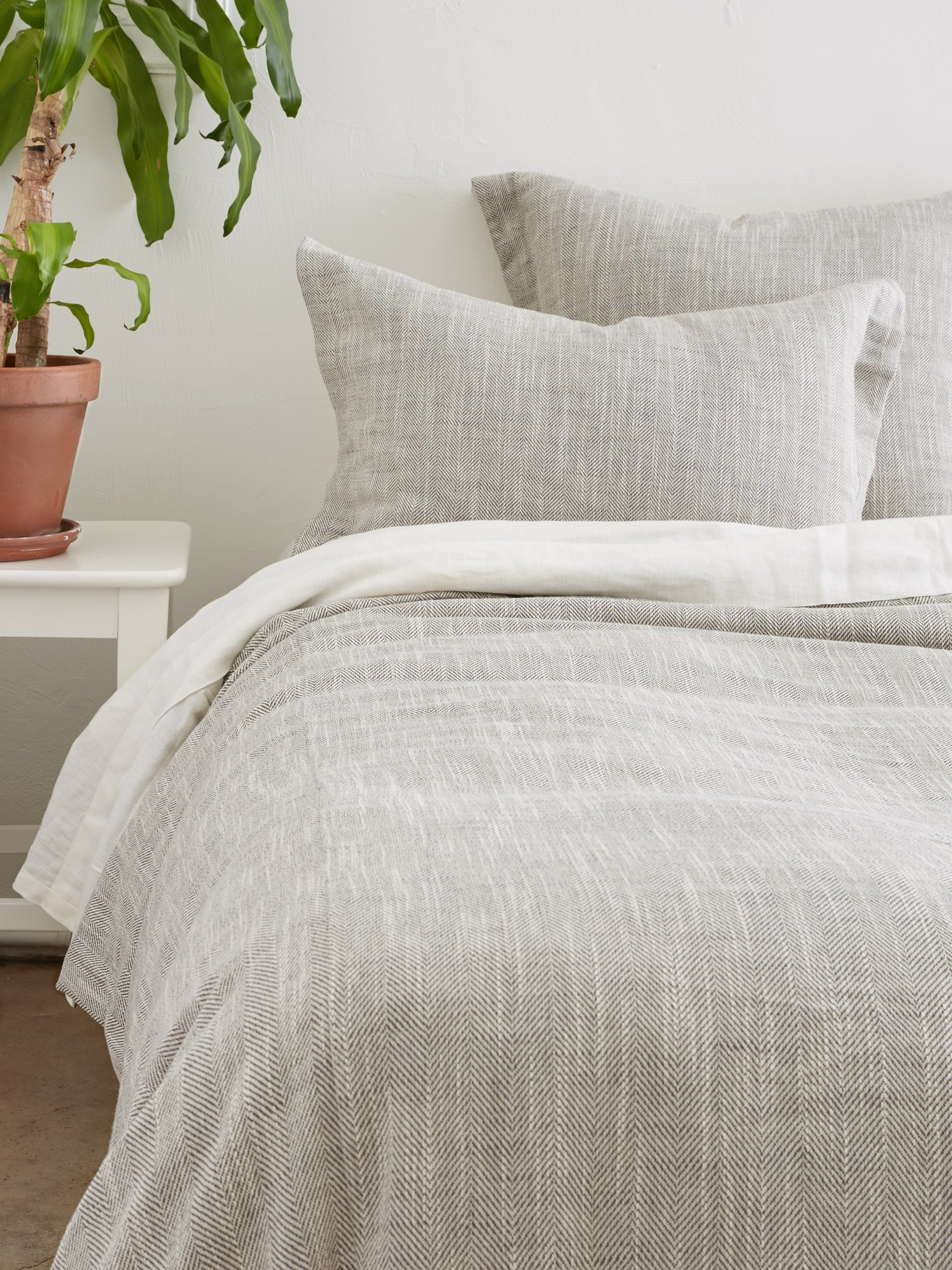 Amity Home Celine Duvet Cover Set, Queen, Gray